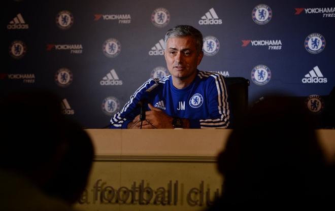 Mourinho cong khai chi trich hoc tro anh 11