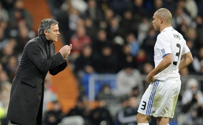 Mourinho cong khai chi trich hoc tro anh 7