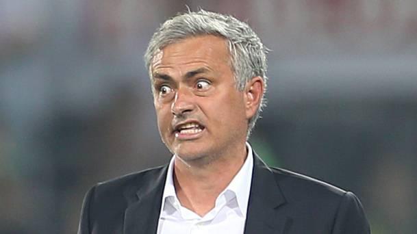 Nhung lan Mourinho cong khai chi trich hoc tro hinh anh