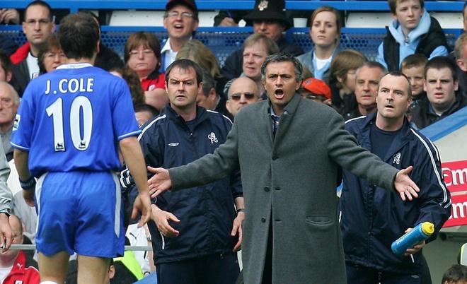 Mourinho cong khai chi trich hoc tro anh 2