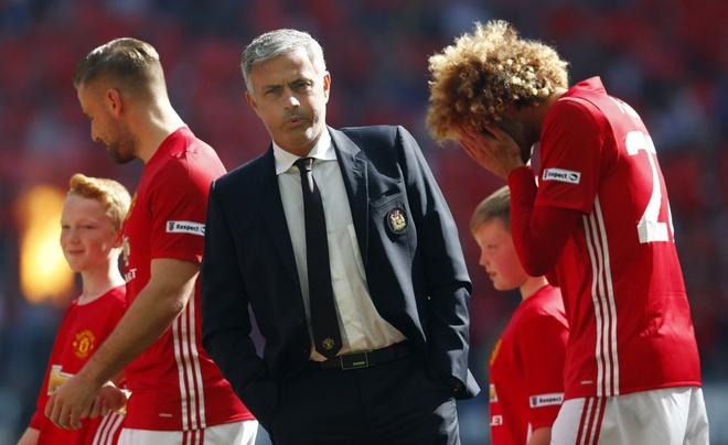 Mourinho cong khai chi trich hoc tro anh 15