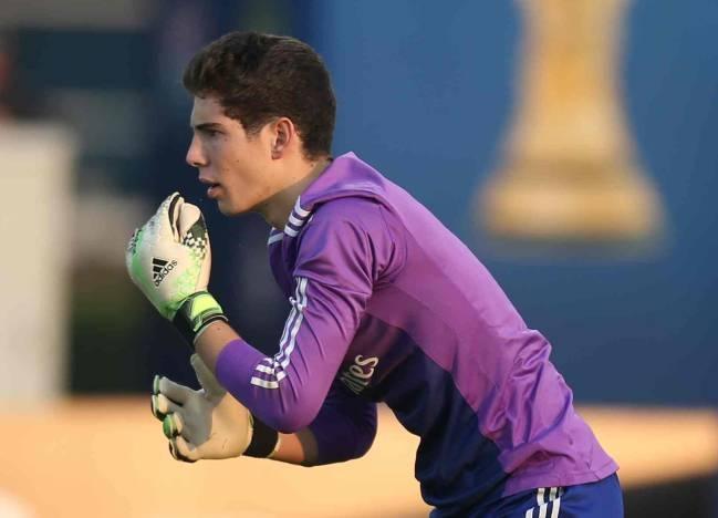 Con trai Zidane lai mac sai lam o cup chau Au hinh anh