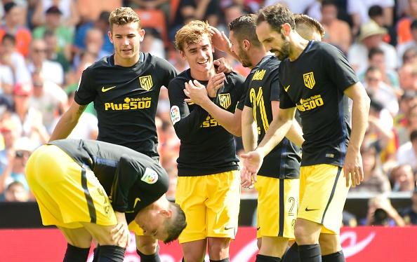 Atletico thang Valencia du da hong 2 qua phat den hinh anh 8