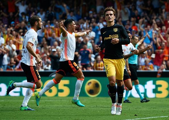 Atletico thang Valencia du da hong 2 qua phat den hinh anh 5