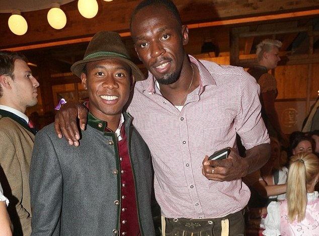 Usain Bolt tham du le hoi bia anh 2