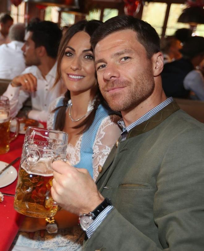 Bolt do suc voi sao Bayern o le hoi bia lon nhat the gioi hinh anh 15