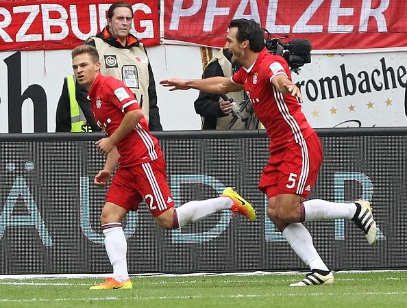 Mueller do mau, Bayern hoa tran thu hai lien tiep hinh anh 9