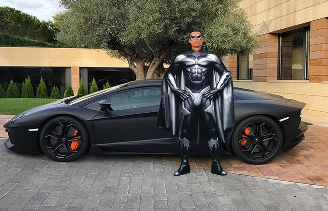 Ronaldo hoa nguoi doi, sieu xayda va tho sua xe hinh anh