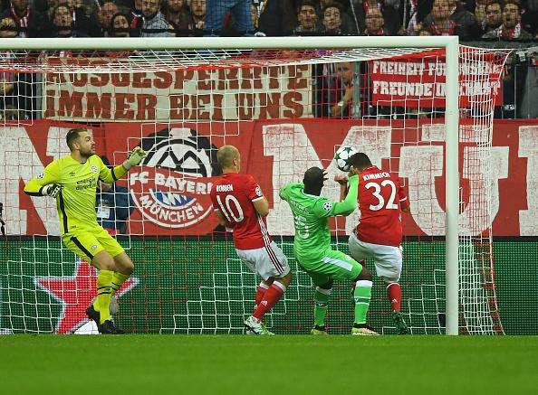 Robben ruc sang, Bayern cat mach 3 tran khong thang hinh anh 7