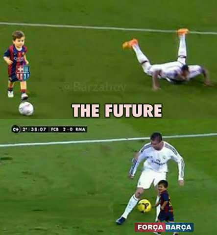 Anh che ngay dau di hoc, con trai Messi xo hang CR7 hinh anh 4
