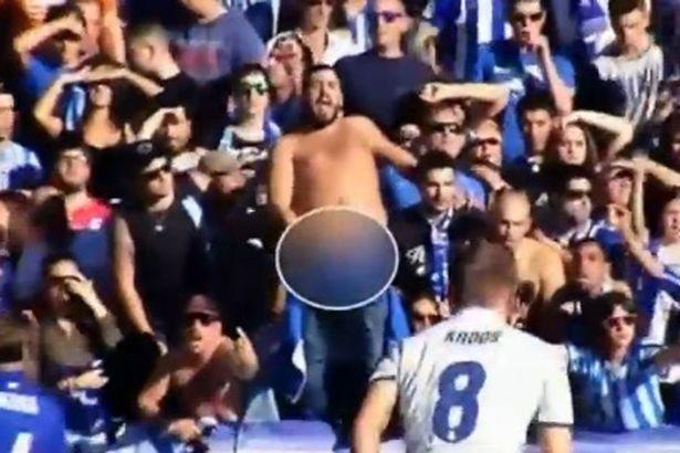 Khan gia khieu khich khiem nha voi Ronaldo hinh anh 1