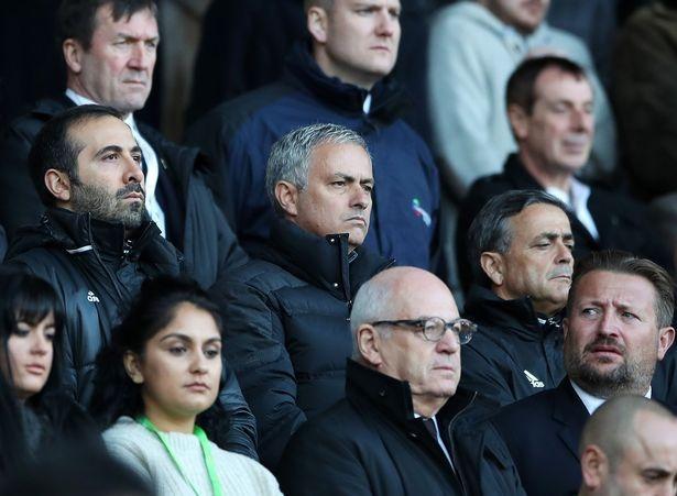 Mourinho che 2 cau thu yeu duoi va luoi bieng hinh anh 1