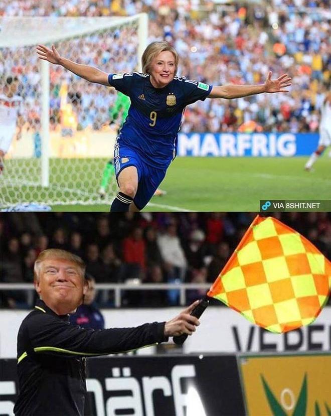 Anh vui Trump danh bai Clinton phien ban bong da hinh anh 1