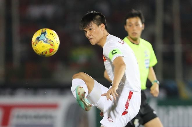 Cong Vinh len ngang hang Neymar o top 10 chan sut DTQG hinh anh