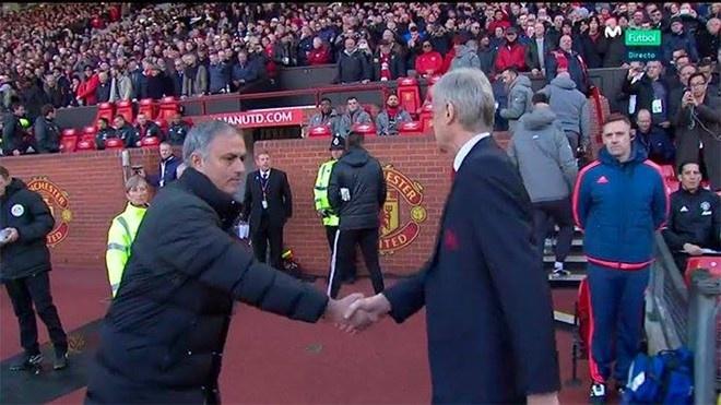 Biem hoa Mourinho va Wenger tu hai lan nhau hinh anh 3