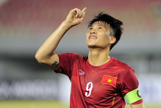 Cong Vinh vuot Neymar, ap sat Rooney o top 10 chan sut DTQG hinh anh