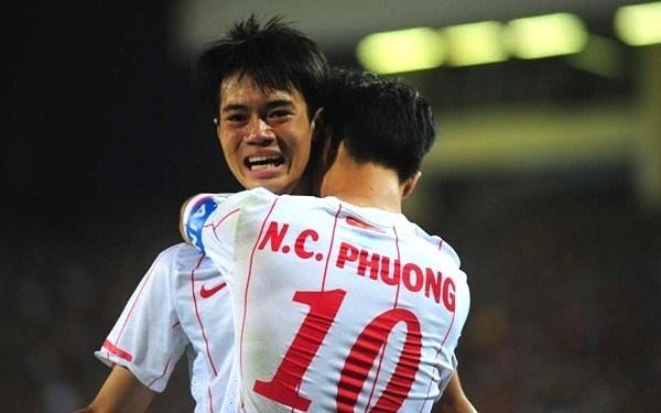 Van Toan chup trom Cong Phuong ngu tren xe buyt hinh anh
