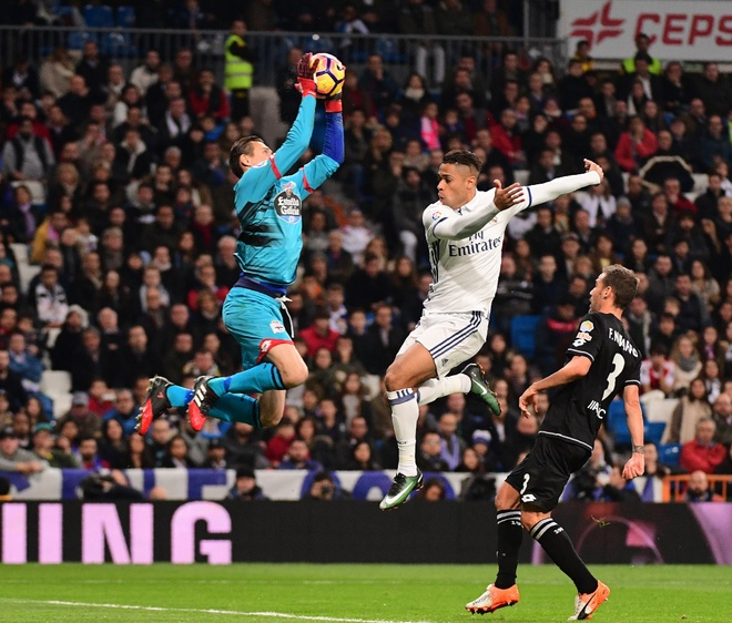 Ramos lai sam vai nguoi hung giai cuu Real phut cuoi hinh anh 3