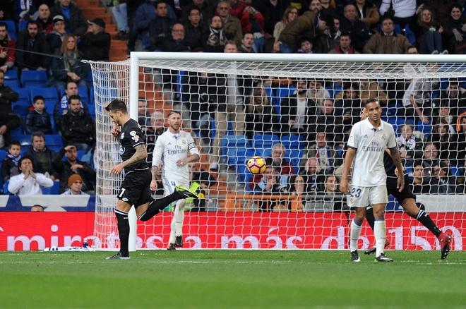 Ramos lai sam vai nguoi hung giai cuu Real phut cuoi hinh anh 5