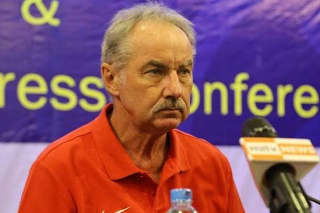 Indonesia va ong Riedl noi dai ky luc ve nhi hinh anh