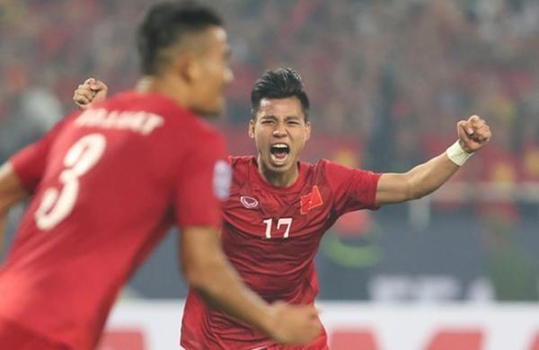 Van Thanh lot top 10 cau thu ghi ban dep AFF Cup 2016 hinh anh 1