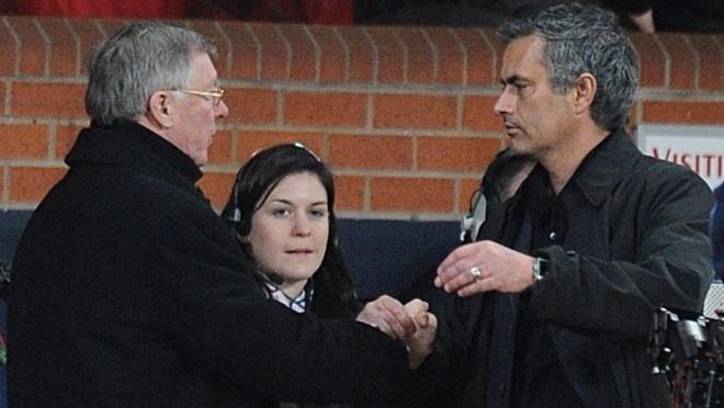 Sir Alex duoc Mourinho moi ve tham tro cu anh 1