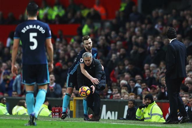 Jose Mourinho dung chieu cau gio lo lieu hinh anh 4