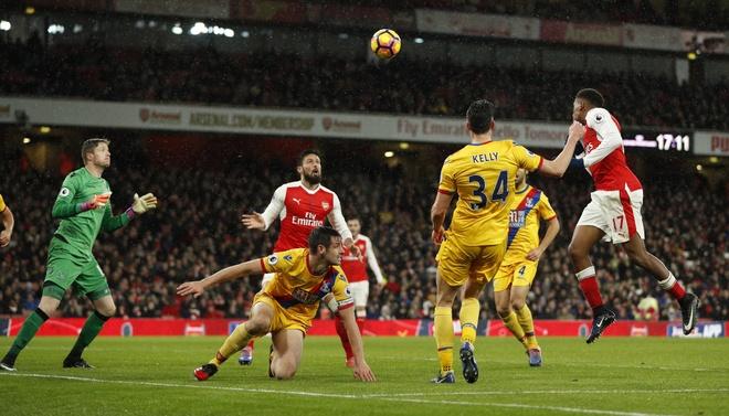 Tran Arsenal vs Crystal Palace anh 10