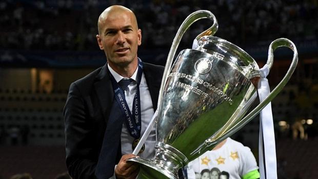 Zidane duoc thuong lon anh 1