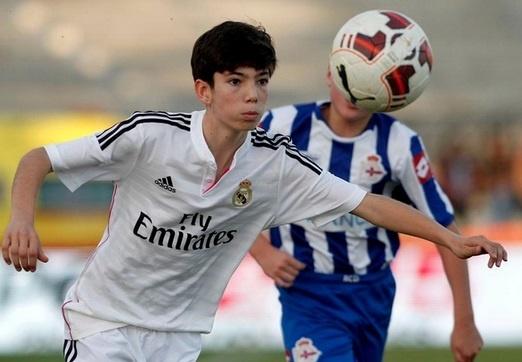 Con trai Zidane gap bong qua dau doi thu hinh anh