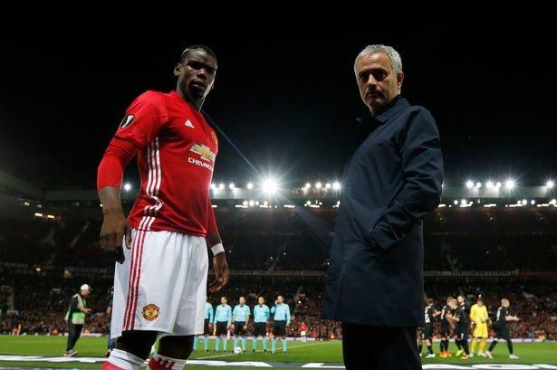 HLV Mourinho bay ke giup tro Pogba vuot kho hinh anh