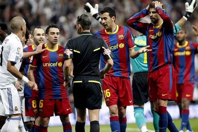 9 du dinh thay doi tao bao cua sep FIFA Van Basten hinh anh 1