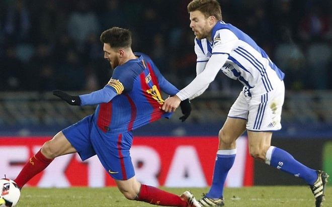 Doi duoi Messi, Illarramendi bi Rakitic 'da deu' hinh anh 1