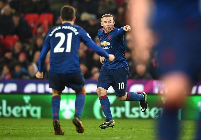 Huyen thoai Rooney lam gi trong ngay lap ky luc? hinh anh 7