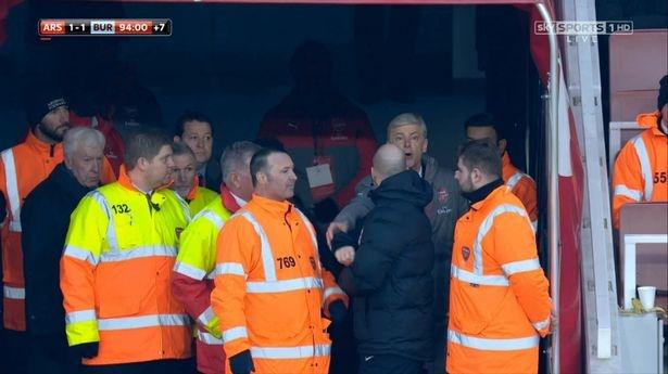 Wenger: 'Toi nen im mieng va di ve nha' hinh anh 1