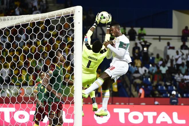 Mane suy sup vi khien Senegal bi loai hinh anh 1
