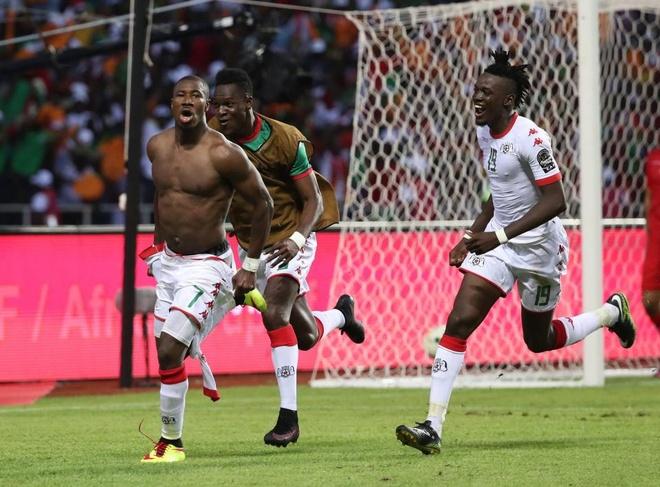 Mane suy sup vi khien Senegal bi loai hinh anh 8