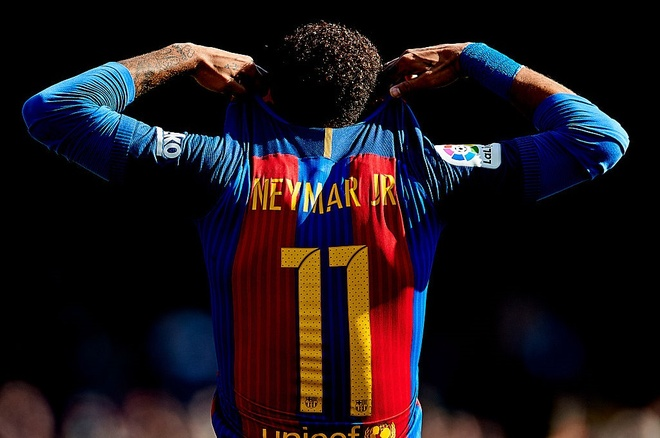 Neymar cuoi ngat ngheo truoc ban thang bi cuop hinh anh