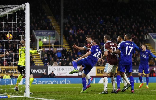 tran Burnley vs Leicester anh 2