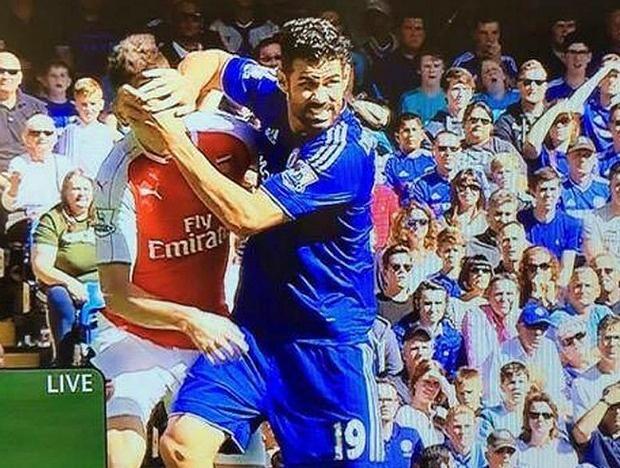 Tran Chelsea vs Arsenal anh 1