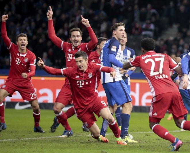Bayern hoa nghet tho nho ban thang phut 90+6 hinh anh 4