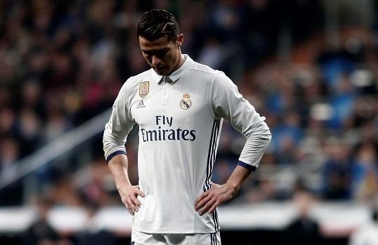 Real Madrid, ga nghien the hinh co doi chan cay say hinh anh