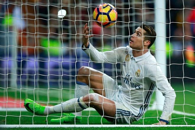 Real Madrid mat ngoi dau anh 1