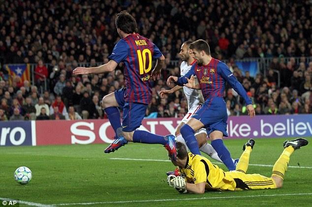 5 nam truoc, Messi lap ky luc ghi 5 ban o tran dau Champions League hinh anh 1