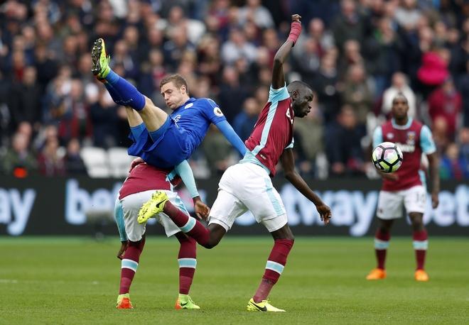 Leicester thang tran thu tu lien tiep sau thay tuong hinh anh 2