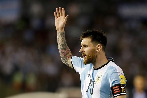 Argentina dung thuoc tang cuong sinh luc dan ong o tran gap Bolivia hinh anh