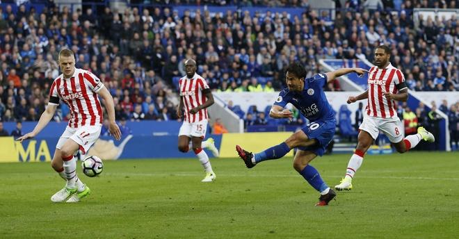 Tran Leicester vs Stoke City anh 1