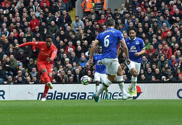 'Diep vien 007' den xem Liverpool da bai Everton hinh anh 7