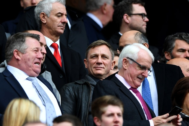 'Diep vien 007' den xem Liverpool da bai Everton hinh anh 1