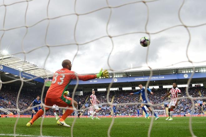 Tran Leicester vs Stoke City anh 7